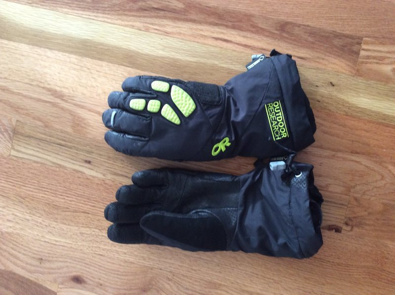 Alpine Alibi ll gloves. Med. New this season. Used maybe 6 times. Very little wear on Palm.$80