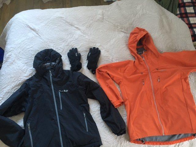 Strata Hoody, Vantage softshell and cascade glove