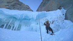 Rock Climbing Photo: Rapping over the bergschrund on the Amy-Vidalhet, ...