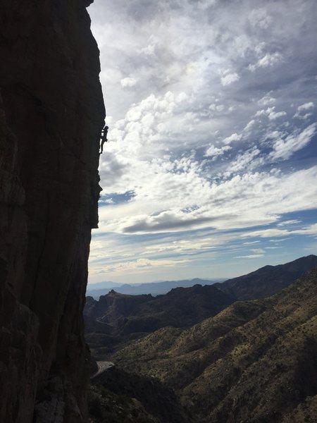 Rock Climbing Photo: Hendrixson nearing the top of Kings Arête.