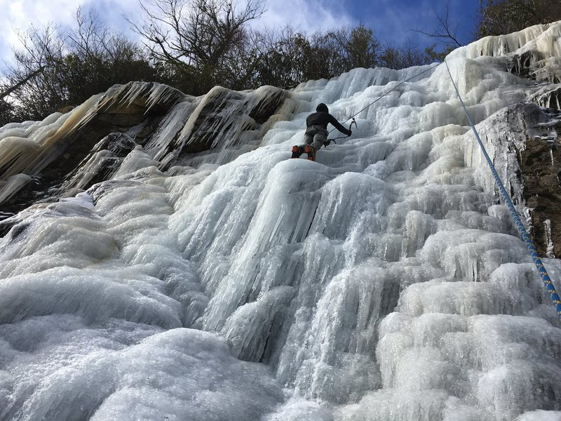 Rock Climbing Photo: 215 roadside ice climbing