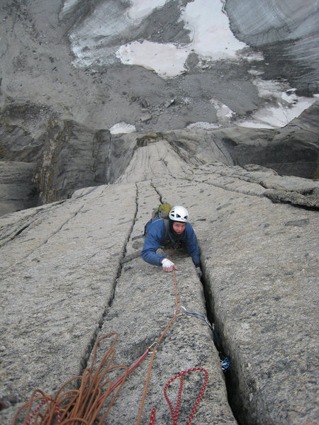 Final hand cracks on the SE Face of Lotus. One of the radder pitches I've ever lead!