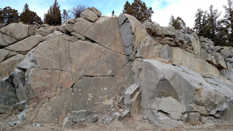Rock Climbing Photo: View of Grand Stand and Acme Belay from the road.