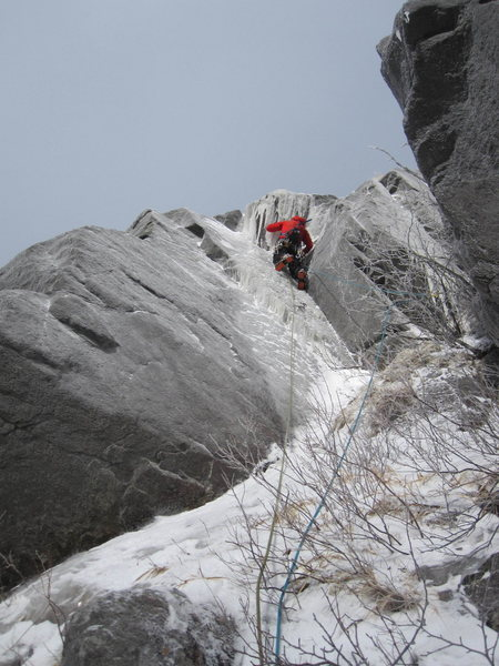 Rock Climbing Photo: Jesse CL on the left side wall of Sorry, Kevin gul...