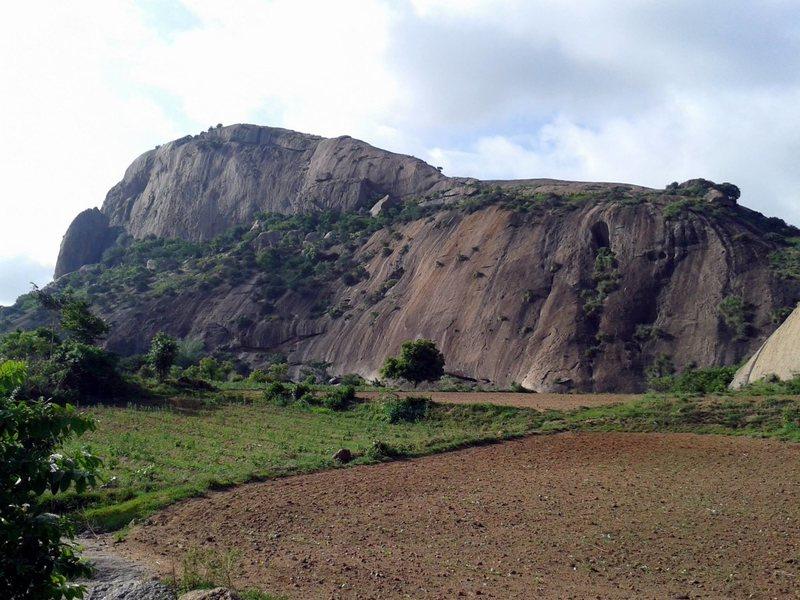 Rock Climbing Photo: Achalu: Lower and Upper Walls.  Photo by Jan Schri...