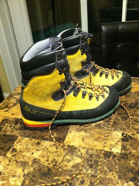 FS : Nepal boots