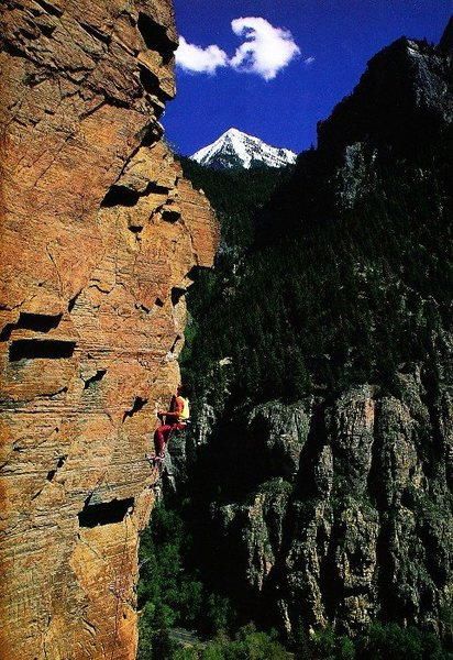 Bill Boyle on Sister Ray (5.12a), American Fork Canyon<br> <br> Photo by Jeff Baldwin