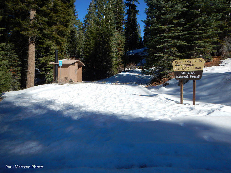 Rock Climbing Photo: Rancheria Falls trailhead and outhouse.  In the su...
