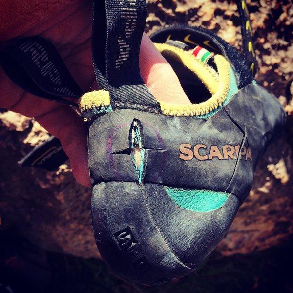 Shoe vs utility knife