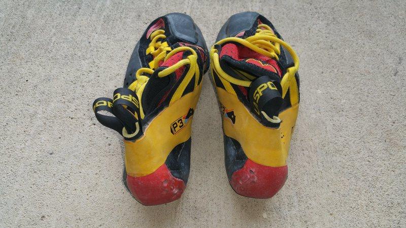 Rock Climbing Photo: Rear of shoes