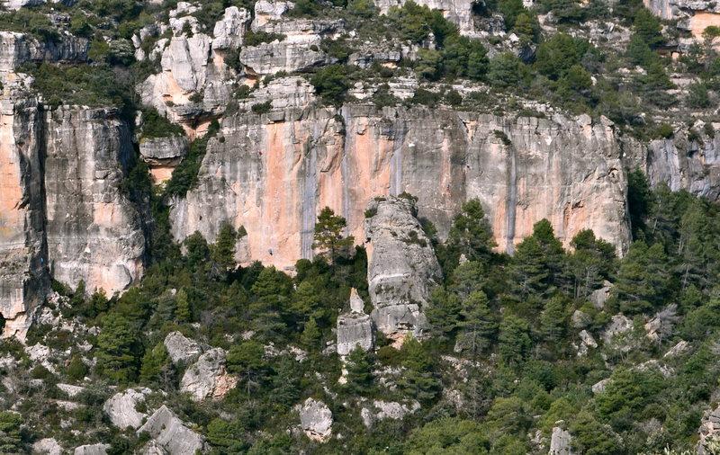 Rock Climbing Photo: Climber in red towards the top of Papagora.