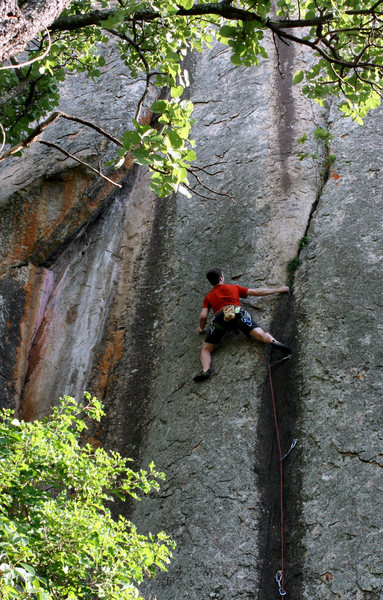 Rock Climbing Photo: Riley Abbot tip toes up The Black Pig at Christon ...