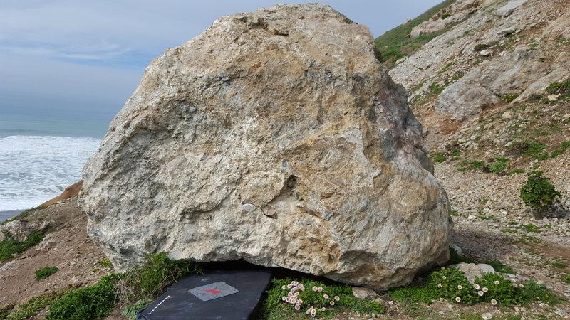 Rock Climbing Photo: Rock Away Beach Boulder.