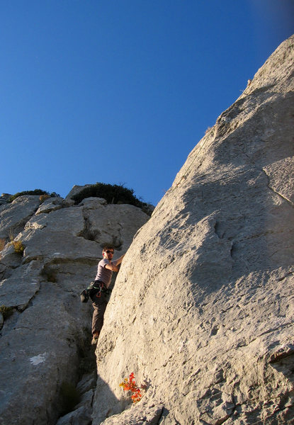 Rock Climbing Photo: Warren Schaefer basking in the sun warming up on K...
