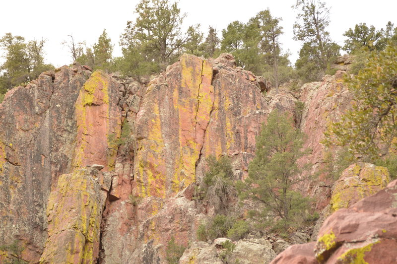 Rock Climbing Photo: Overview of the route seen from the main trail