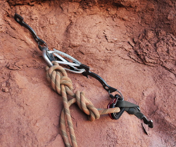 Rock Climbing Photo: A nice looking anchor we found at the base of a ne...