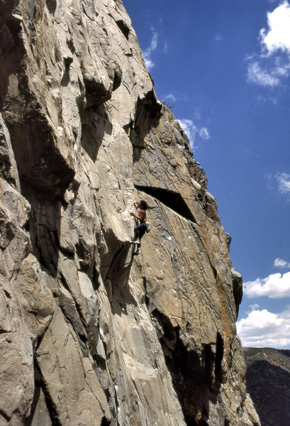 "Jeff Schoen leads ""Itchy Scratchy"" (5.11d) at the Inspiron Wall"