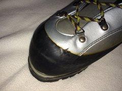 Rock Climbing Photo: La Sportiva Baruntse Size 48. Minor wear at edge o...