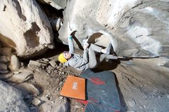 Rock Climbing Photo: Getting the kneelers