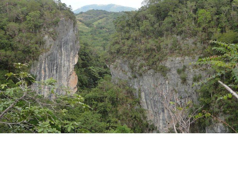San Cristóbal crags