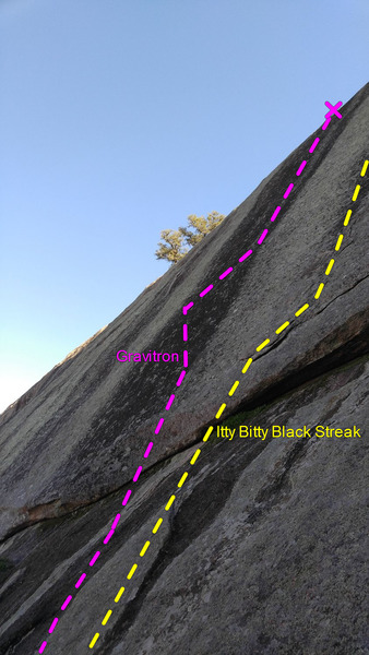 Rock Climbing Photo: Right side of the pic shows the start of Itty Bitt...