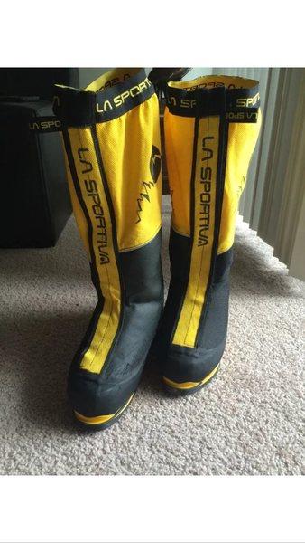 Waterproof zippers