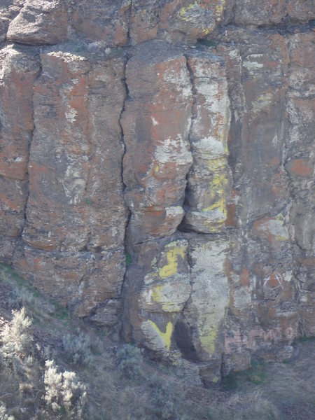 Rock Climbing Photo: Mottled colors on Tank Target