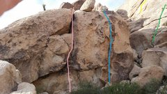 Rock Climbing Photo: Short, steep cracks on left side of alcove on sout...