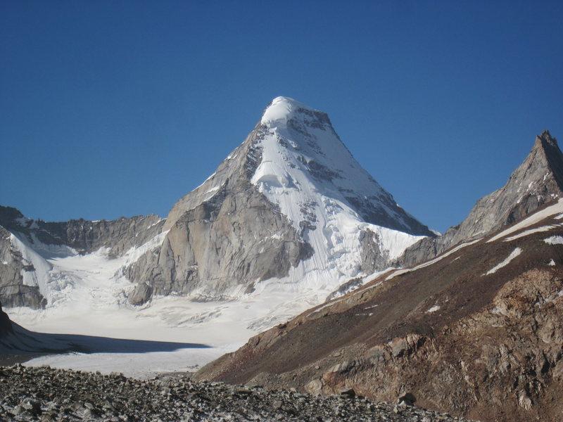 Mt. Kullu Makalu (6349 m), taken from d Bara-Shigri Glacier Base Camp