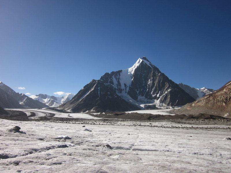 Mt. Kullu Pumori (6553 m), taken from d Bara-Shigri Shigri Glacier Base Camp