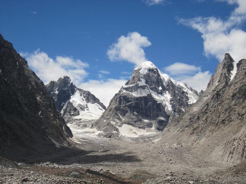 Mt. Tiger Tooth (5980 m), taken from d intermediate camp at Bara-Shigri Glacier