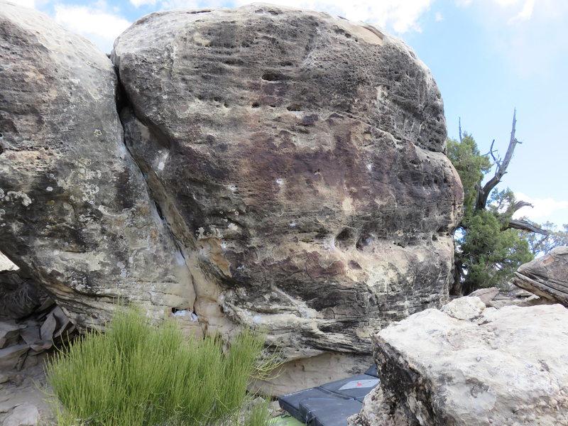 Classic boulder, Classic Triassic V6