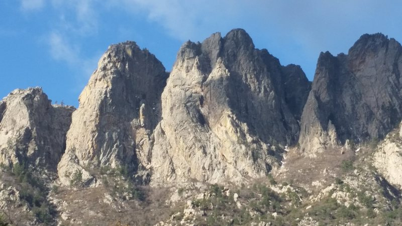 Minerva, Organ Needle and Squaretop viewed from the approach