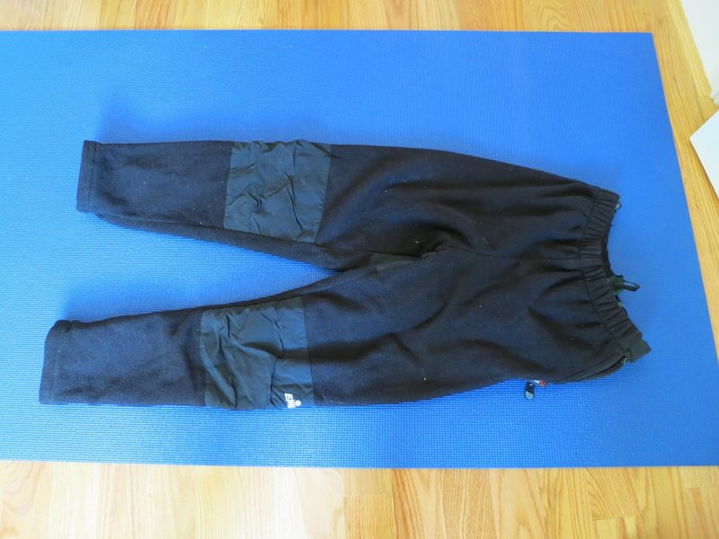 Rock Climbing Photo: EMS fleece pants, heavyweight, full side-zips, men...