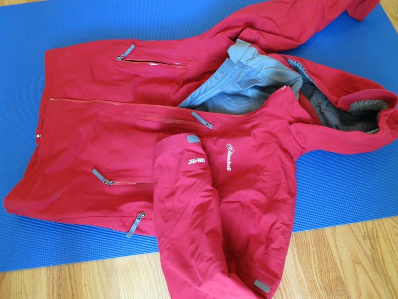Cloudveil Gore-tex jacket, men's L - excellent condition - $90