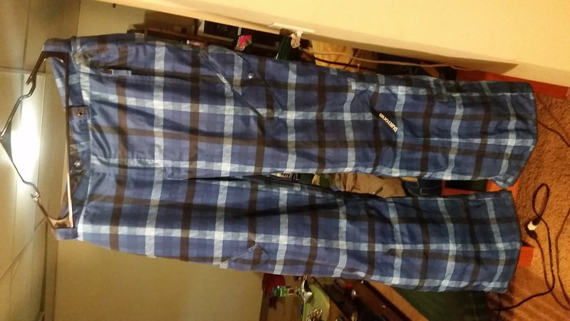 Mens Burton insulated dryride board pants. Mens XL. Great shape with just a little wear at the very bottom of the cuffs. $40