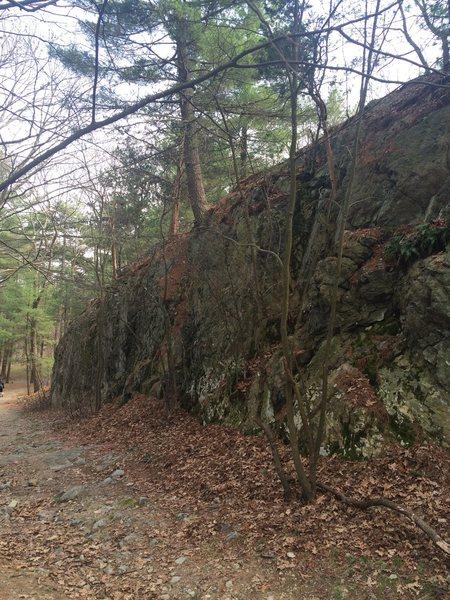 Rock Climbing Photo: Warm Up Crag.