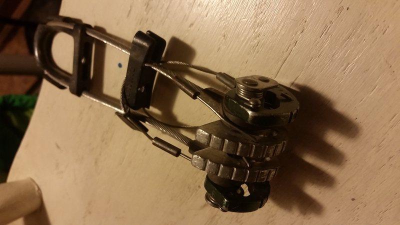 BD cam has broken plastic handle