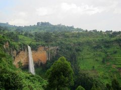 Rock Climbing Photo: The third Sipi Falls, tallest cliff band of the th...
