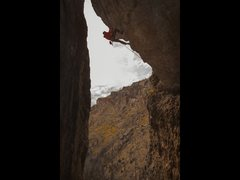 Rock Climbing Photo: Steve Bechtel on the arête of the Skinwalker.  Ph...