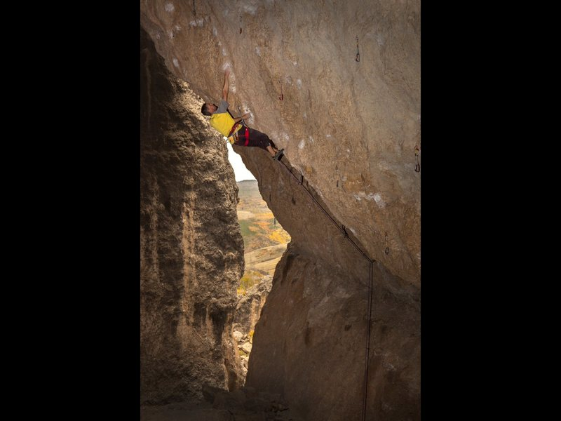 Rock Climbing Photo: Mid crux.  Photo by Kyle Duba.