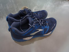 Rock Climbing Photo: Cascadia mens size 11