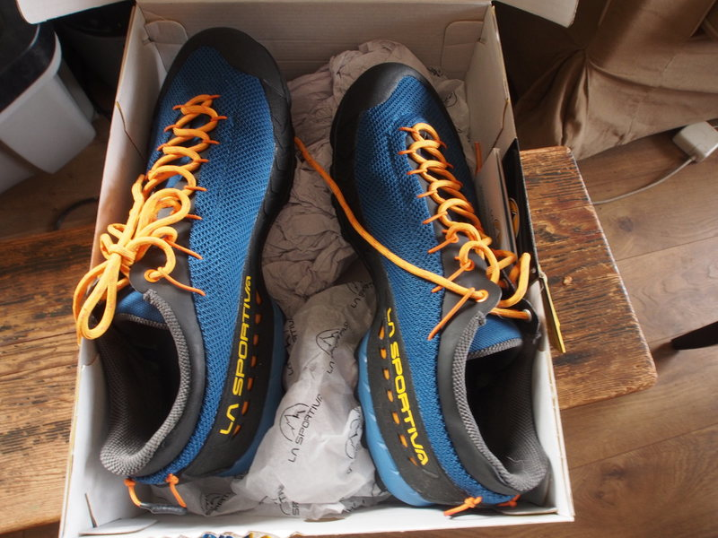 TX3 size 44.  New in box with tags.