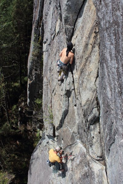 Rock Climbing Photo: Heading into the corner of P2 from Heavens Gate An...