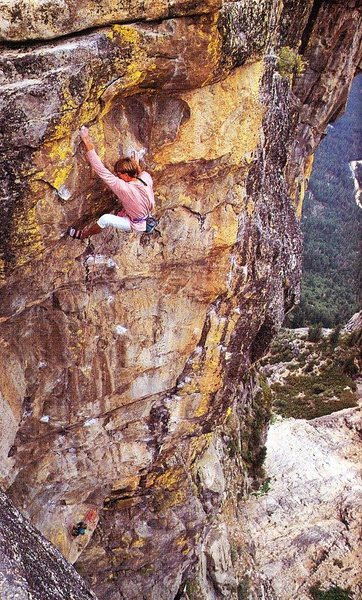 Ed Barry on &quot@SEMICOLON@Dread and Freedom&quot@SEMICOLON@ (5.12d), Taft Point<br> <br> Photo by Peter Noebels