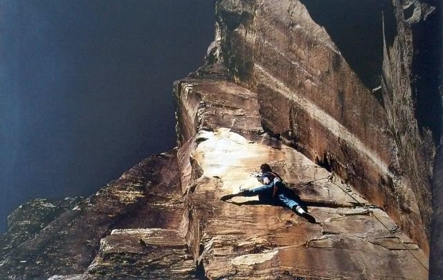 Rock Climbing Photo: Paul Van Betten on the FA of The Long Riders (5.12...