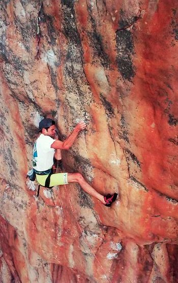 Rock Climbing Photo: Jerry Moffat on Punks in the Gym (31/5.13d), Mt. A...