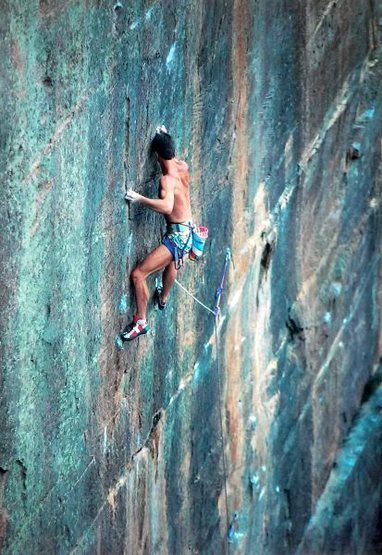 Geoff Weigand on the FA of Shimmering (27/5.12d), Blue Mountains<br> <br> Photo by Catherine Gockley