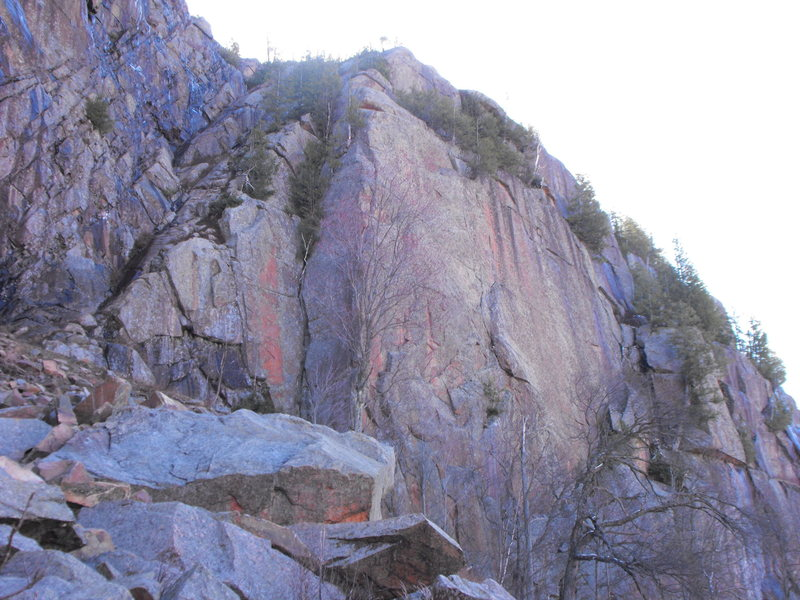 Lots of rock ... Weenie Jam ramp is on the left, the inside corner on the right of WJ is  Planet Claire 5.5, Azurite the arête then .... that big blank face on the right side waiting for high end climbing.