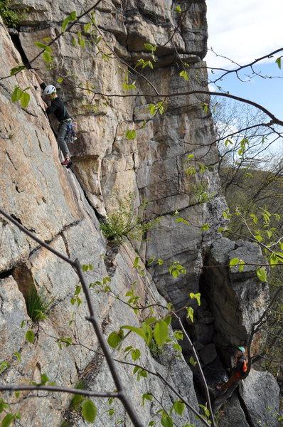Rock Climbing Photo: Chris J. leading up P1 of Hans' Puss